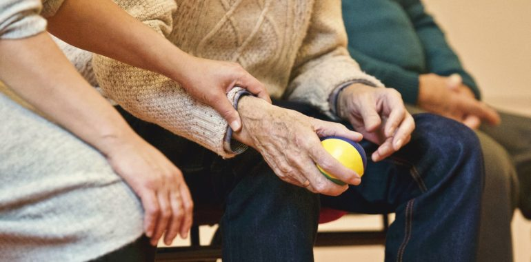 Hanno l'Alzheimer: qualunque cosa facciamo è inutile perché tanto poi si dimenticano?