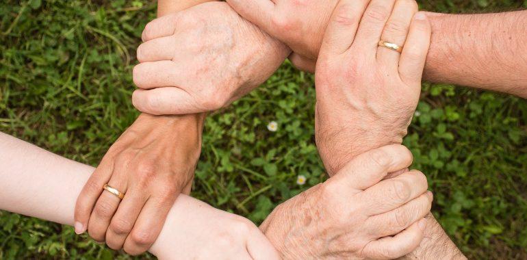 Il familiare che assiste la persona con demenza